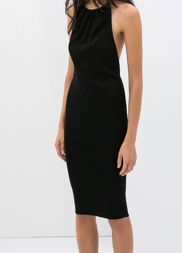 Llevo este vestido en un evento formal. El vestido es negro y simple. La marca del vestido es Zara.