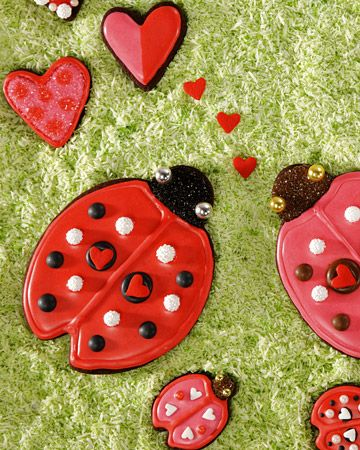 Lovebug Cookies Ingredients Royal Icing Black or brown gel paste food coloring