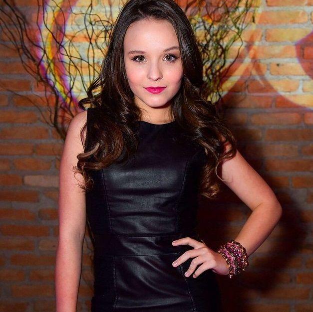 Aos 14 anos, Larissa Manoela lança moda e inspira o armário até de adultos! Veja o estilo da adolescente - Fotos - R7 Mulher
