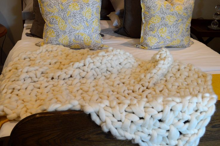 This throw, in hand stitched moss stitch, is chunky enough to make an impact, neutral enough to go in any room and versatile enough to be used as either a statement piece or a blanket to snuggle under.