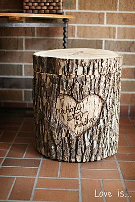 Love this rustic tree wedding card box ! So sweet with the names and then carving it out to hold things in the future is adorable too. :)