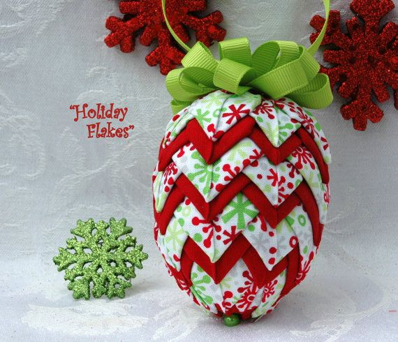 No Sew Quilted Fabric Pinecone Ornament  di MyPrairieCreations