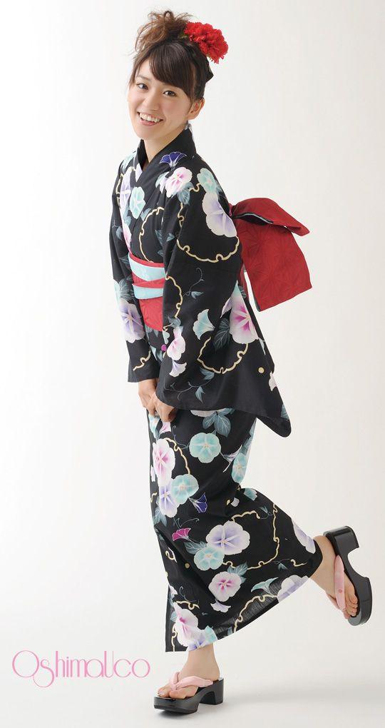 The amazing Yuko Oshima in another of her amazing kimonos! (DS 2013) | 浴衣屋さん.com | OshimaUco 浴衣 夕顔