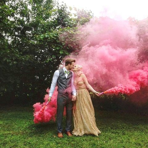 21 Awesome Smoke Bomb Wedding Ideas