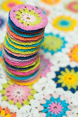Granny flower square blanket pattern. Join as you go tutorial