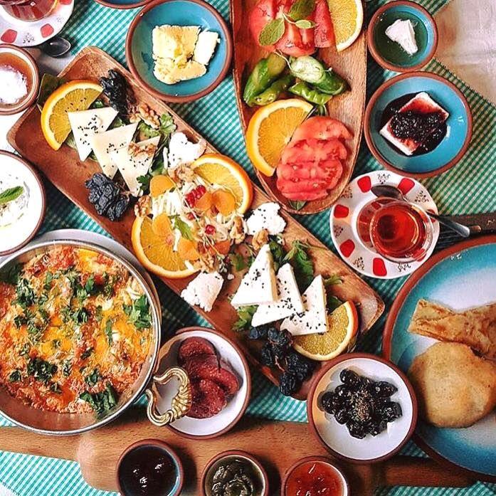 Güzel bir #kahvaltı'yla güne başlamaya ne dersiniz? #mutlusabahlar #palamutbükü #datça #butikotel #butikkahvaltı
