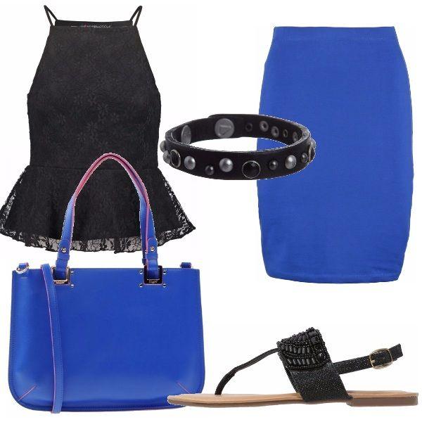 Ultimi sprazzi destate. Con poco si può acquistare un intero outfit nuovo nuovo da sfoggiare con le amiche: canotta nera di pizzo, gonna e borsa blu elettrico, infradito neri e bracciale nero.