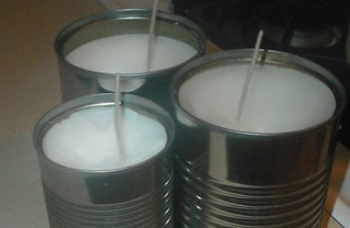 Make candles from recycled soup cans and old wax