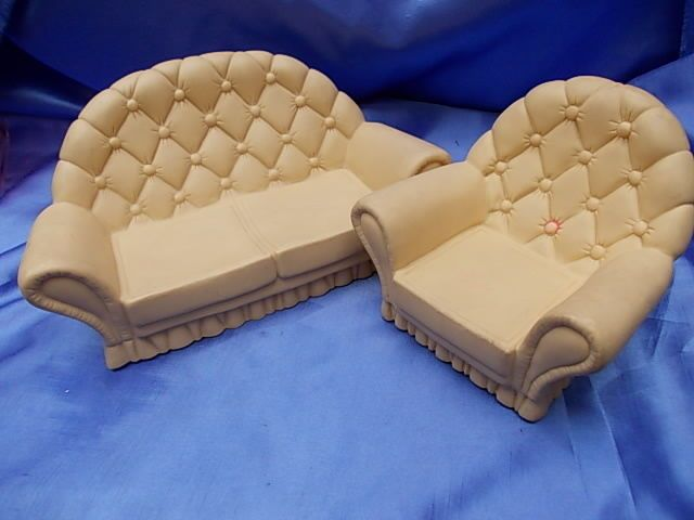 SINDY DOLL HOUSE FURNITURE-SETTEE AND CHAIR
