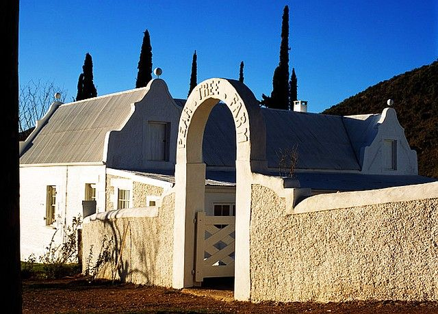 Pear Tree Farm, Calitzdorp http://www.perfecthideaways.co.za/Details/Pear-Tree-Farm #farms #capetown #accommodation