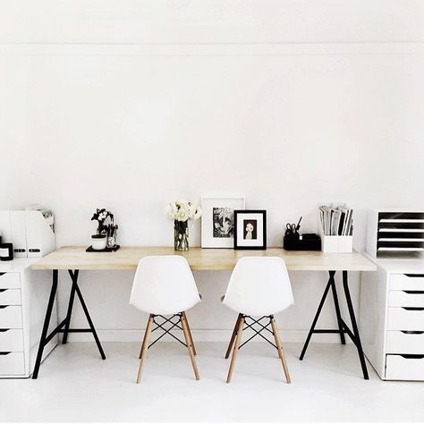 Minimalist workspace lusting as spotted on @theworkspacestylist, by @talisa_sutton. Cannot wait to be able to style my workspace using this inspiration, when we move in a few months time. This really is our ideal space. #workspace #office #interiors #scandihome #scandinavian #scandinavianhome #scandistyle #scandi