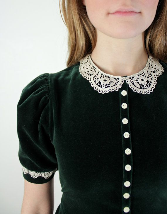 1980s Lace Peter Pan Collar Dress