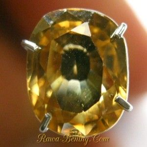 Batu Permata Brownish Yellow Cushion Zircon 2.32 carat www.rawa-bening.com