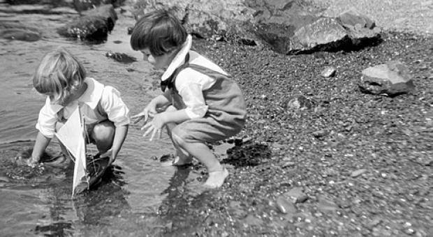 Πώς έπαιζαν τα παιδιά πριν το Internet: Ένα υπέροχο φωτογραφικό αφιέρωμα!!! - Όμορφα Ταξιδια