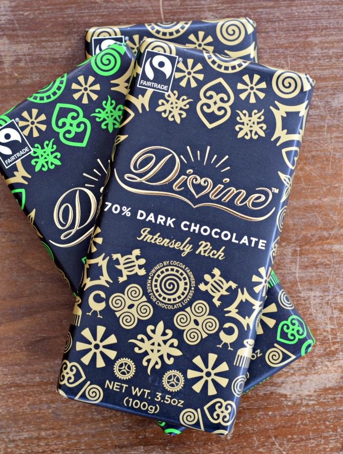 I love these dark chocolate bars from Divine Chocolate. The cocoa is all fair trade and the company is co-owned by the farmers in Ghana who grow the cacao! Use in your favorite chocolate desserts and recipes. #divinechocolate #fairtrade