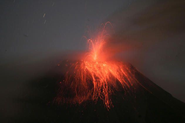 """Ecuador's Tungurahua volcano erupts near Banos August 24, 2014. Tungurahua, which means """"Throat of Fire"""" in the local Quechua language, has been classified as active since 1999. Picture taken August 24, 2014."""