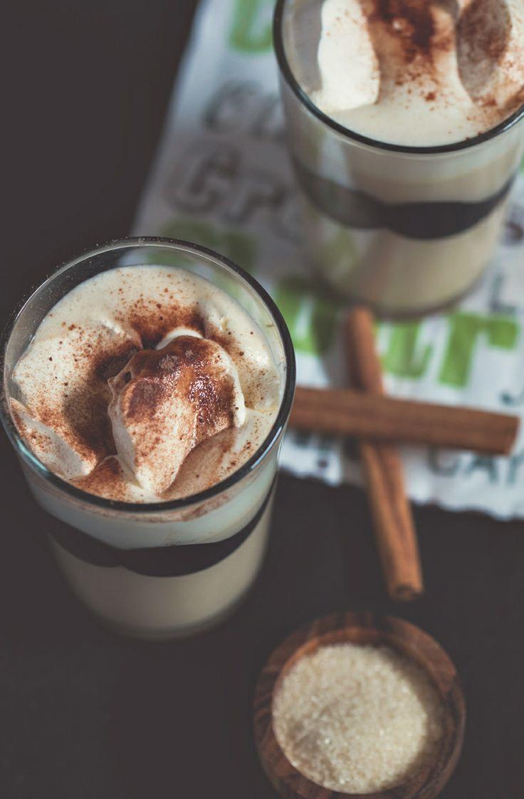 opskrift på chai te latte med smeltede skumfiduser og flødeskum, virkelig en luksus chai te