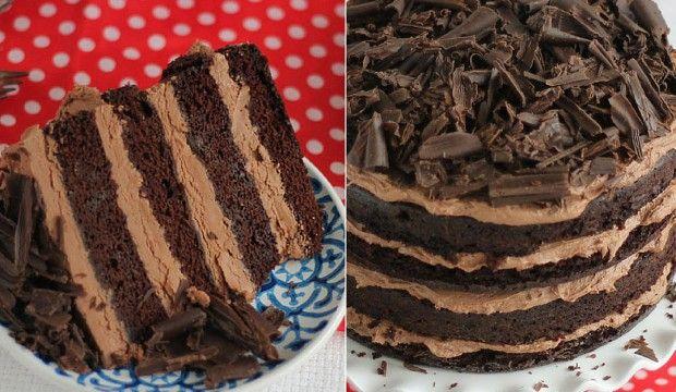 Jemný čokoládový dort s nadýchaným krémem a hoblinkami
