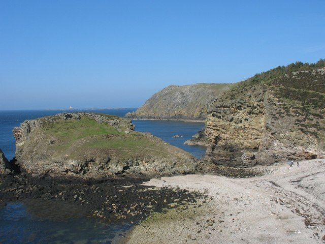 Fydlyn Beach | Anglesey | UK Beach Guide