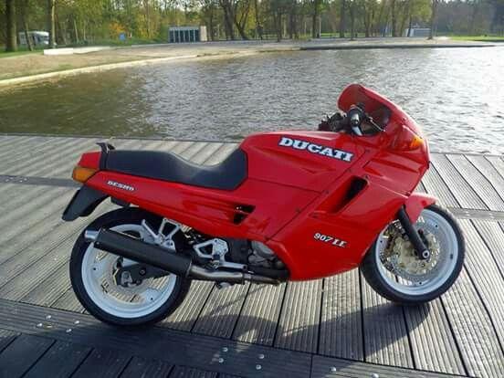 Ducati paso 907