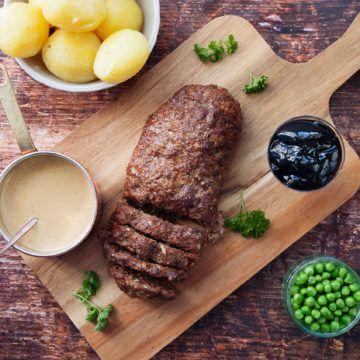 Köttfärslimpa med kokt potatis