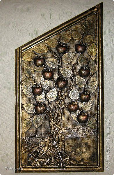 Декор предметов Картина панно рисунок Аппликация Ассамбляж Мусорные вещицы для дачи Материал бросовый фото 2