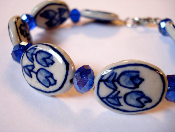 Delfts blue tulip bracelet. Netherlands bracelet. by Linnepin010