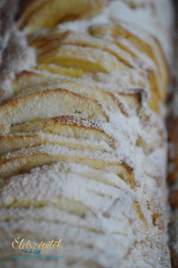 Az eredeti francia almatorta receptje alapján készült; nem tortaformában, hanem őzgerincben sütöttük meg. Azoknak ajánljuk, akik szeretik a gyorsan összeállítható édességeket, az almás sütiket. A t…