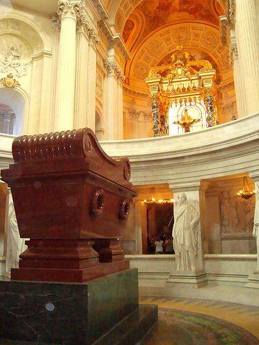Napoleon's tomb, Hôtel National des Invalides...fascinating. The scale is hard to imagine..HUGE