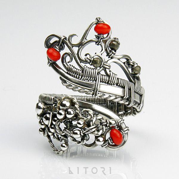 www.polandhandmade.pl #polandhandmade #jewellery #litori SERBAL srebrny pierścionek z koralem