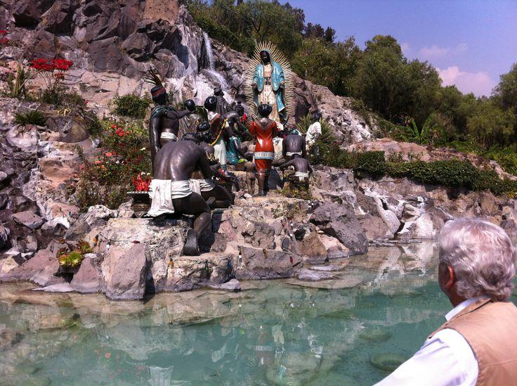 El Maestro Gabriel Díaz Rivera se enfoca en explorar la piedra angular que define nuestra identidad nacional y religiosa: el fervor por la Virgen de Guadalupe. http://www.azteca.com/capitulos/el-nuevo-mexico/187709/el-nuevo-mexico-guadalupanismo