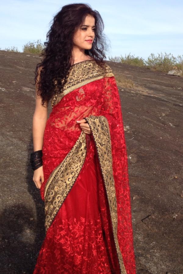 Pia bajpai Tamil Actress