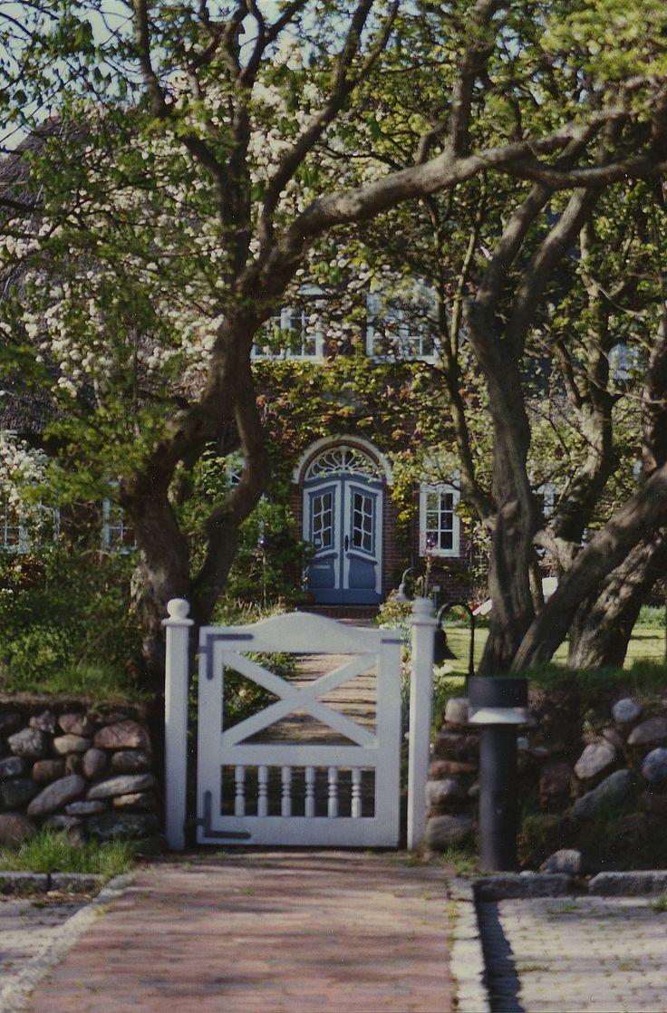 die besten 25 haus kaufen ostsee ideen auf pinterest bootshaus kaufen ferienwohnung ostsee. Black Bedroom Furniture Sets. Home Design Ideas