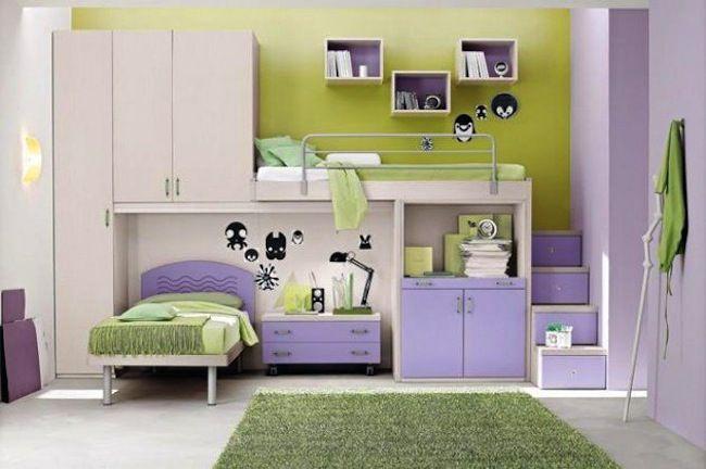 Çocuk odasını iki kişinin paylaşmak zorunda olduğu ancak klasik ranza formunu sevmeyenler için oldukça yaratıcı bir fikir ile karşı karşıyayız. Üstelik yatakların asimetrik konumland�