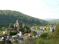 Campingpllatz Heimbach.  Gratis toegang tot internet. Internet via WiFi - Hotspot     De camping is gelegen in Heimbacher Nationaal Park Eifel.   Reserveren is niet nodig omdat er   voldoende ruimte capaciteit.    -----  Nou Habersaul 3  Heimbach  D-52396
