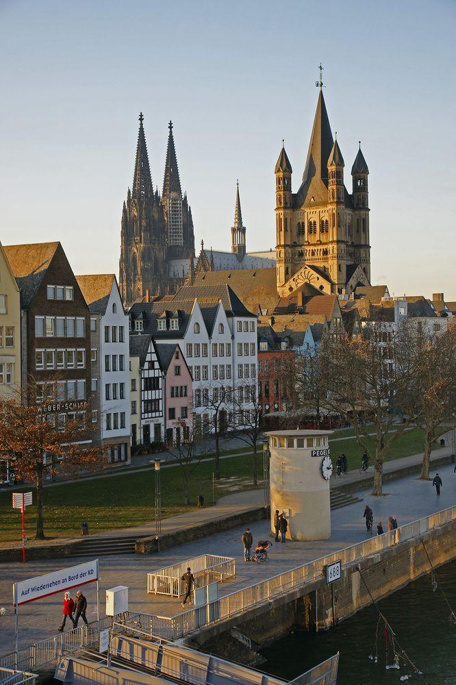 Köln (Cologne) and the Rhein river in Nordrhein-Westfalen, Germany