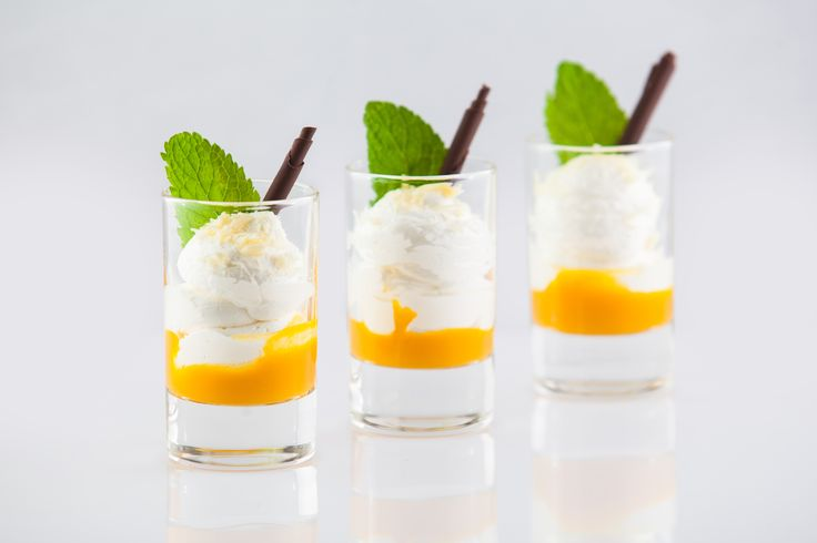 Mini mango dessert