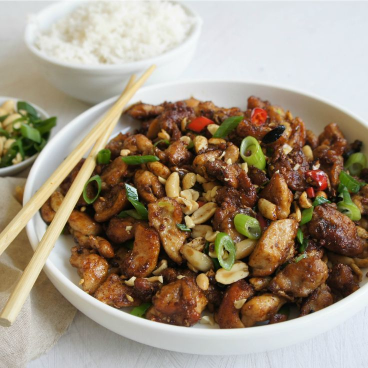 #RecipeoftheDay: This Kung Pao Chicken by Lozzads is so delicious you won't be able to stop.
