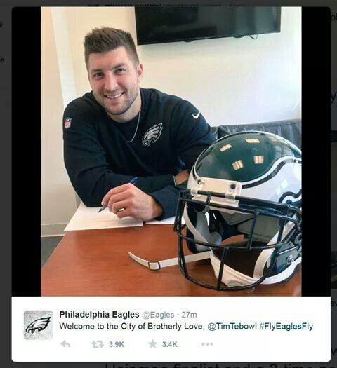 Signing contract with the Eagles