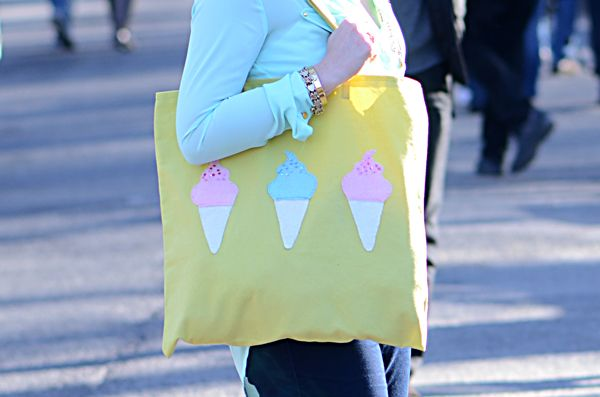 How to Make a Bright Ice Cream Tote Bag (via craft.tutsplus.com) #FreeTutorial #Tote #DIY