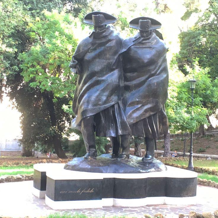 Monument célébrant le bicentenaire des carabiniers - Sept. 2016 ©ROME Pratique