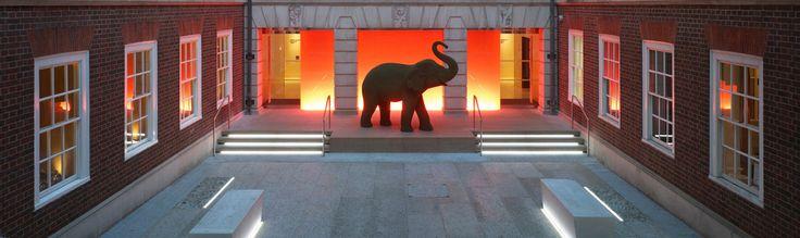 Apex Temple Court Hotel (Apu, hogy megy be a kiselefánt az oroszlán barlangjába?)
