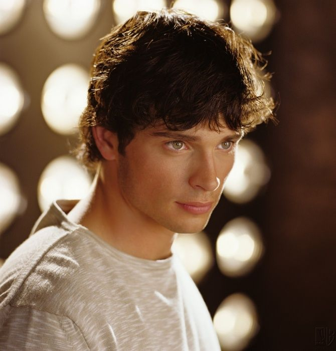 Smallville Season 2 Promo - Tom Welling as Clark Kent