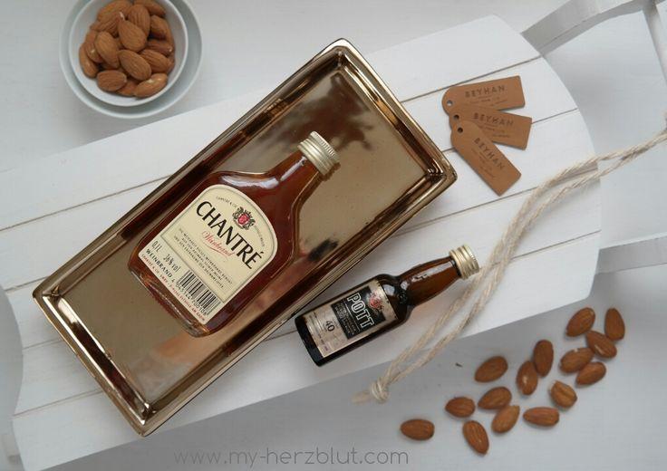 Zutaten für ein köstliches Vanillekipferl-Likör. #Easypeasy Rezept jetzt auf dem Blog! :-)
