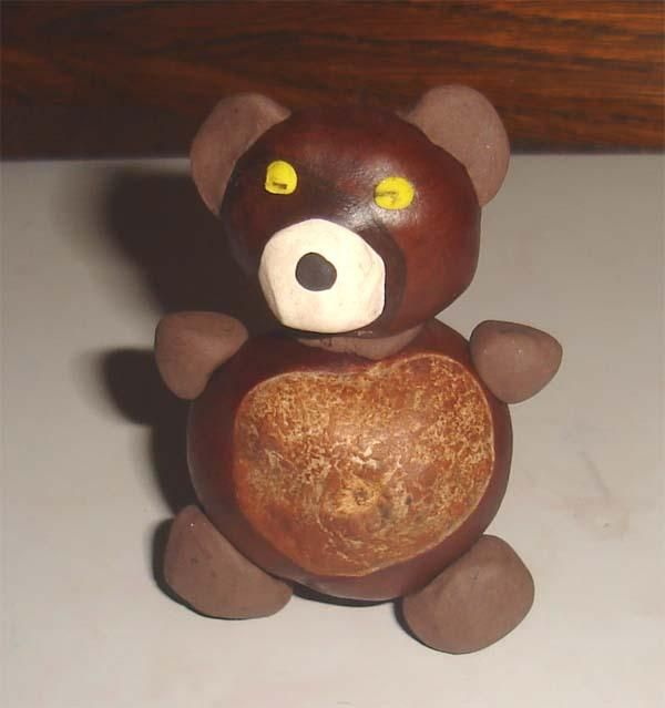Plasticine and chestnuts - A BEAR