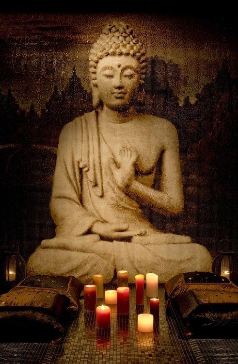 Buda dedicó su vida a tratar de encontrar la respuesta al por qué del sufrimiento humano. Ese descubrimiento ha hecho que muchas personas desde entonces vivan en plenitud permanente incluso a través de las adversidades de la vida.  Si quieres profundizar en ti mism@ y descubrir qué necesitas y quién eres, MINDFULNESS, la meditación budista adaptada a nuestra mente occidental, puede ayudarte a encontrar las respuestas que estás buscando.