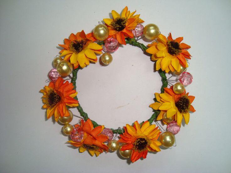 Foto bij Oranje deur met bloemenkrans [Part 1]