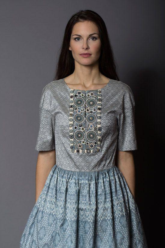 Платье классическое, шелк ручной работы