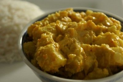 Potato, Cauliflower and Yoghurt Curry