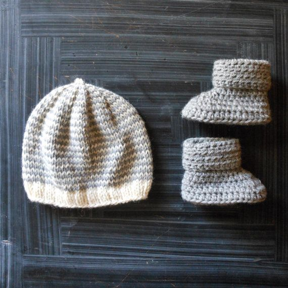 newborn baby gender neutral hat and bootie set // new baby gift set // knit beanie with crochet crib shoes
